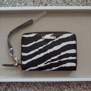 NWT Stella & Dot Chelsea Tech Wallet - Zebra